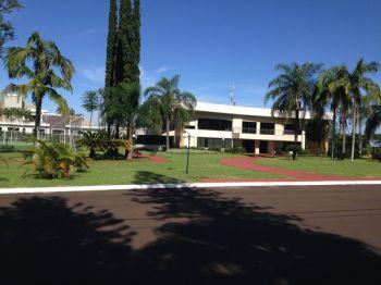 Terreno de Esquina no Condomínio Solar das Palmeiras