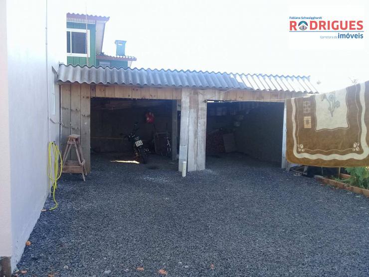 CASA COM SALA COMERCIAL - REF.CA025