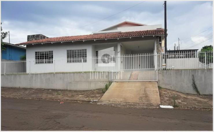 Casa em Excelente Localização - Centro Norte